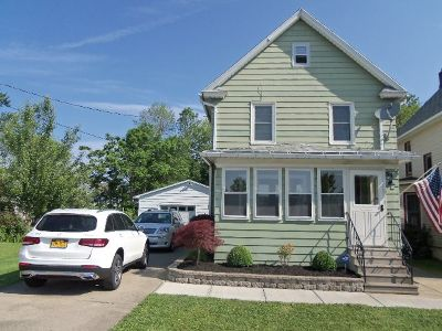 Dunkirk Single Family Home For Sale: 94 W. Sixth St.