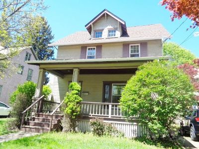 Jamestown Single Family Home For Sale: 33 Spruce St.