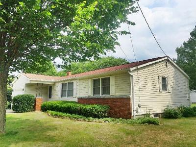 Dunkirk Single Family Home For Sale: 62 Ounce Street