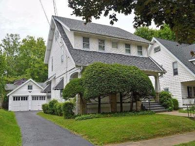 Jamestown Single Family Home For Sale: 63 Chestnut St