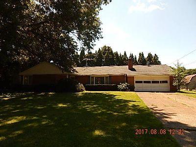 Fredonia Single Family Home For Sale: 10 University Park