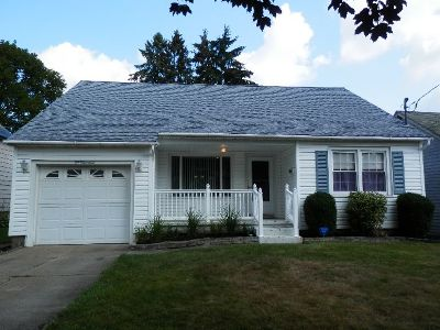 Jamestown Single Family Home For Sale: 100 Hazeltine Ave