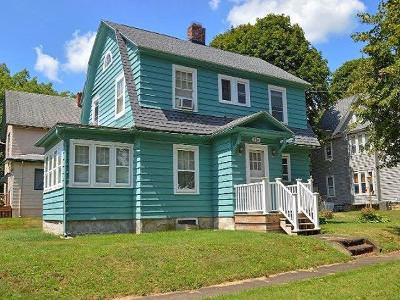 Jamestown Single Family Home For Sale: 116 Francis St