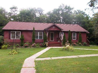 Portland Single Family Home For Sale: 8930 Walker Road
