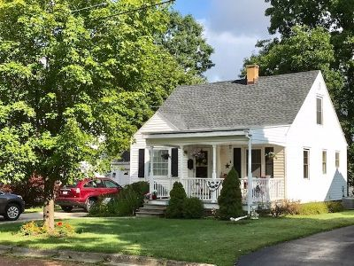 Jamestown Single Family Home For Sale: 117 Allendale Ave