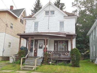 Single Family Home For Sale: 107 Kidder St