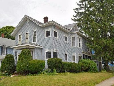Jamestown Single Family Home For Sale: 400 Lincoln St