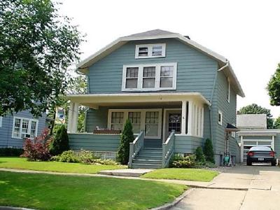 Jamestown Single Family Home For Sale: 15 Norton Ave