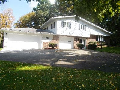 Gowanda Single Family Home For Sale: 9420 Broadway Road