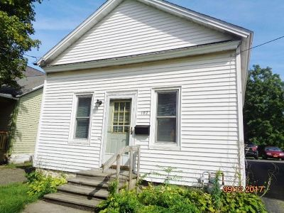 Fredonia Single Family Home For Sale: 102 Cushing St.