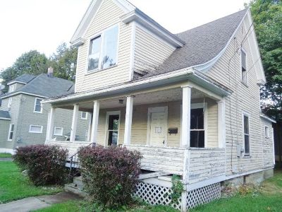 Jamestown Single Family Home For Sale: 15 S. Chicago St.