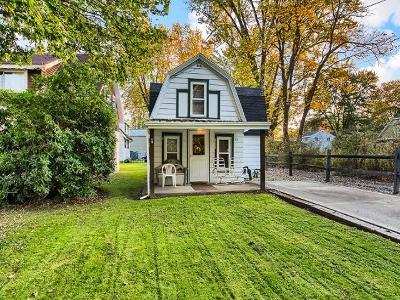 Lakewood Single Family Home For Sale: 228 East Terrace