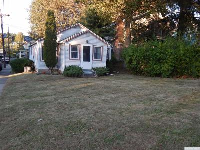 Claverack Single Family Home For Sale: 25 Church St.