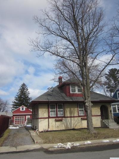 Greenport NY Single Family Home For Sale: $217,000