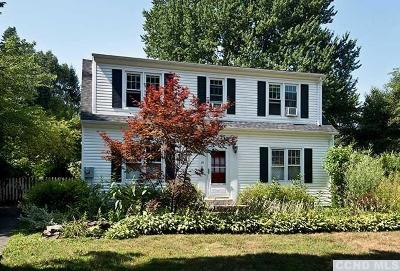 Kinderhook NY Single Family Home For Sale: $310,000