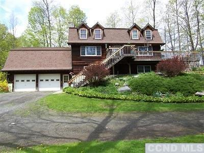 Hillsdale NY Single Family Home For Sale: $285,000