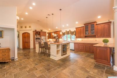 Rensselaer County Single Family Home For Sale: 494 Miller Road