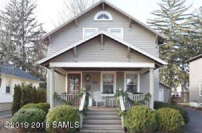 Saratoga Springs Single Family Home For Sale: 213 East Avenue