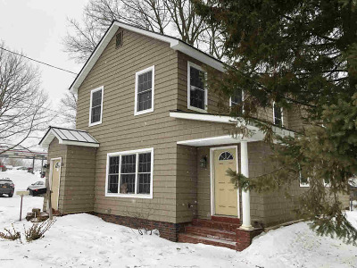 South Glens Falls Single Family Home For Sale: 60 Main