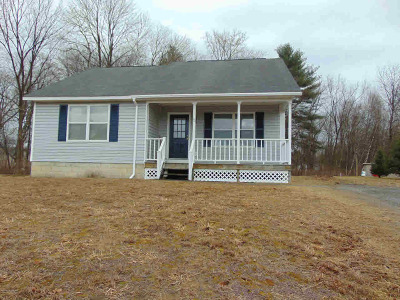Wilton Single Family Home For Sale: 10 Suffolk Lane