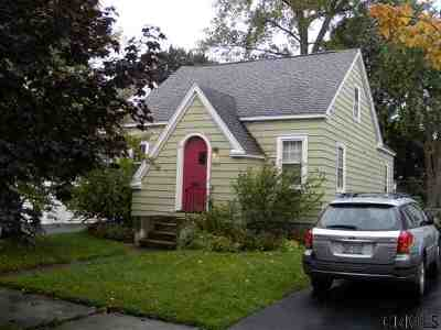 Schenectady Single Family Home For Sale: 1283 Keyes Av