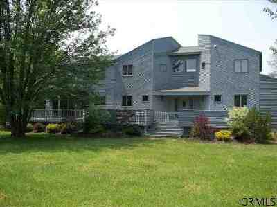 Benson, Broadalbin, Day, Edinburg, Hadley, Hope, Mayfield, Mayfield Tov, Northampton Tov, Northville, Providence Single Family Home For Sale: 105 Juergens Point Rd