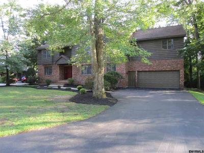 Single Family Home Sold: 225 Bentwood Ct West