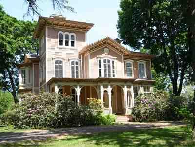 East Greenbush Single Family Home For Sale: 6 Eileen Dr