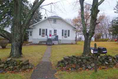 Schaghticoke NY Single Family Home Closed (Final Sale): $161,100