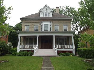 Schenectady Single Family Home For Sale: 1196 Wendell Av