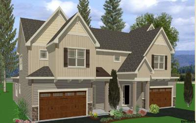 Single Family Home For Sale: 4 Jordan Ct
