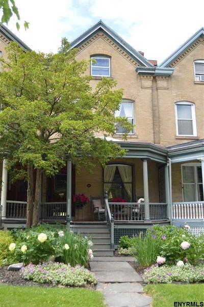 Albany Single Family Home For Sale: 71 South Lake Av