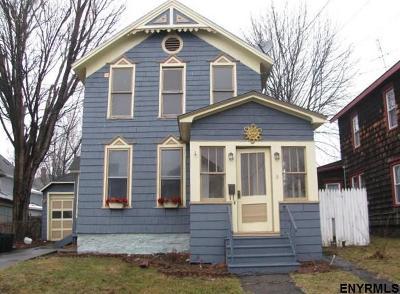 Johnstown Single Family Home For Sale: 3 E Madison Av