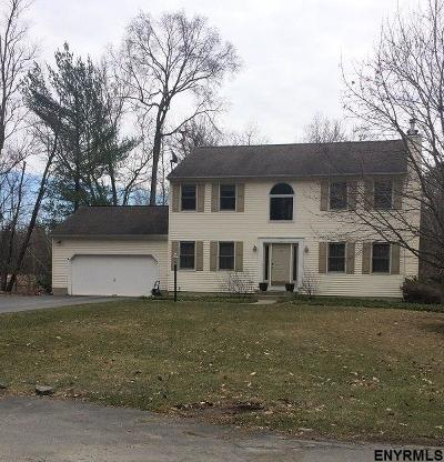 Single Family Home Sold: 35 Mohawk Dr