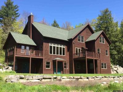 Grafton NY Single Family Home For Sale: $679,000