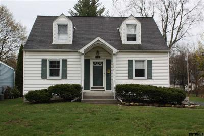 Niskayuna Single Family Home For Sale: 2040 Arkona Ct