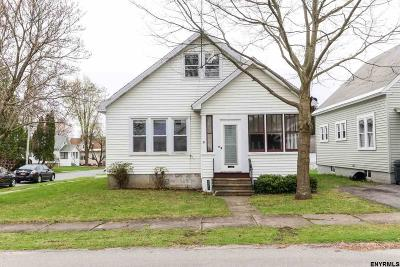 Johnstown Single Family Home For Sale: 401 Parkwood Av