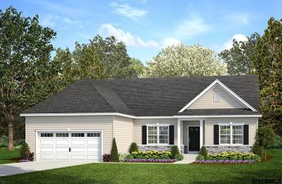 South Glens Falls Single Family Home For Sale: Tamarac Dr