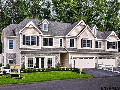 Saratoga County Single Family Home For Sale: 89 Hillman Loop