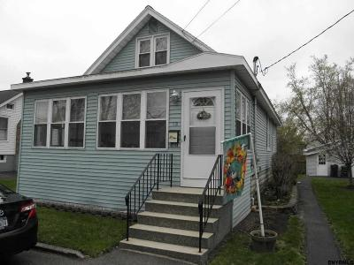 Colonie Single Family Home For Sale: 9 Natick St
