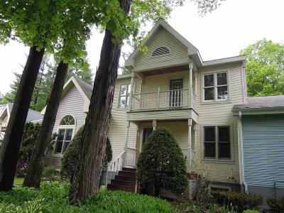 Saratoga Springs Single Family Home For Sale: 30 Sarazen St
