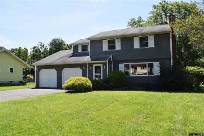 East Greenbush Single Family Home For Sale: 4 Pauline Ct