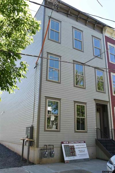Albany Two Family Home For Sale: 126 Jefferson St