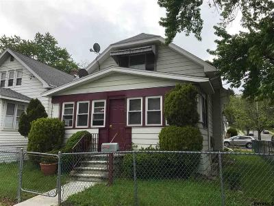 Menands Single Family Home For Sale: 686 North Pearl St