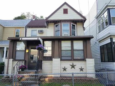 Rensselaer Single Family Home For Sale: 1565 5th St