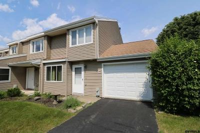 Saratoga Springs Single Family Home For Sale: 40 Preakness Way
