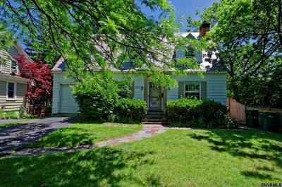 Niskayuna Single Family Home For Sale: 1110 Millington Rd