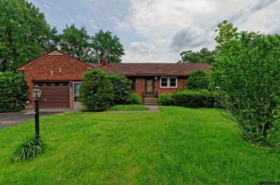 Guilderland Single Family Home For Sale: 10 Birch Dr