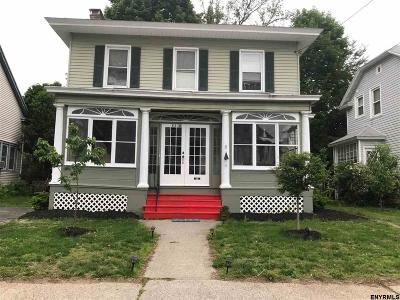 Albany Single Family Home For Sale: 831 Jay St