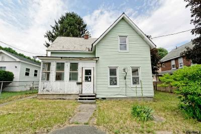Saratoga County Single Family Home For Sale: 30 Newman St